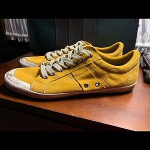 Kenneth Cole Reaction yellow sneaker